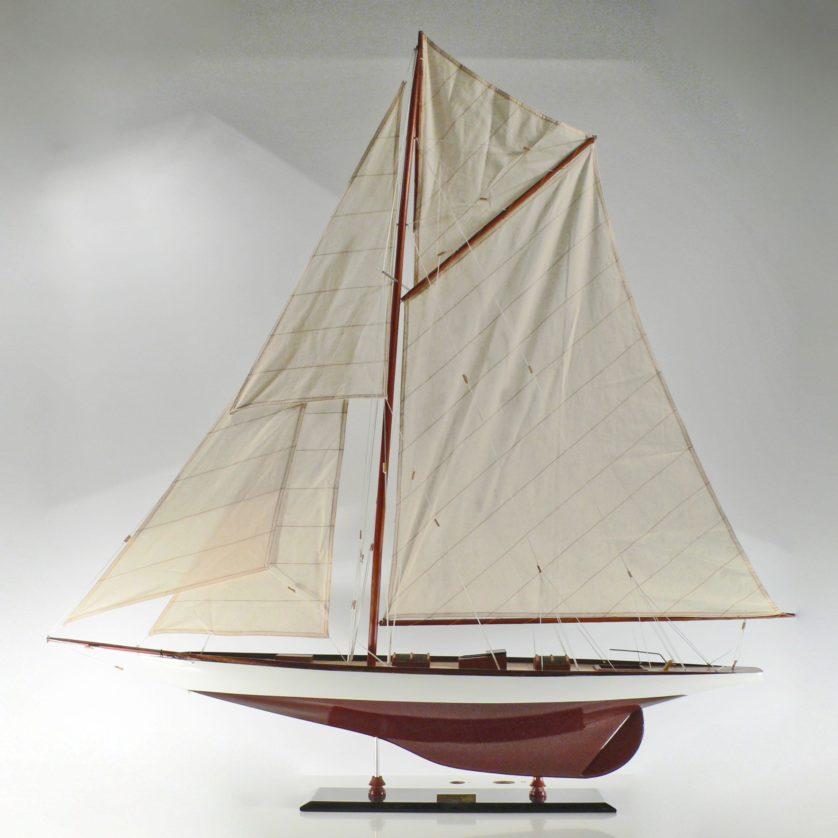 Handgefertigtes Schiffsmodell aus Holz der Tuiga