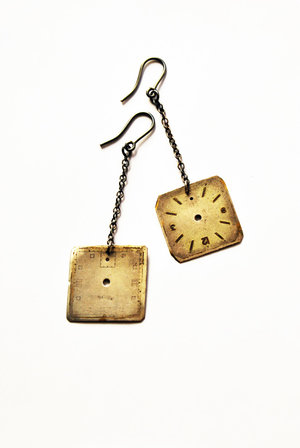 Watch antique watchface earring, angular