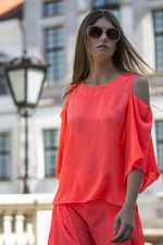 NEO blouse with open shoulders pink