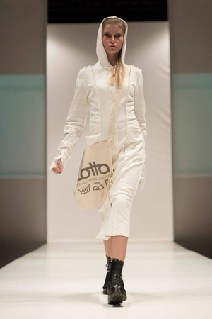 HOODY GOWN IVORY