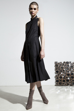 Pleated front bare shoulders dress with side pockets
