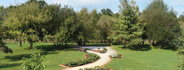 ROSENGARTEN Tierbestattung Spreewald Tierkrematorium Garten