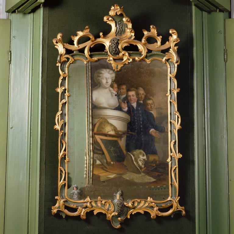 Portrettenkamer - Rococospiegel met weerspiegeling schoorsteenstuk