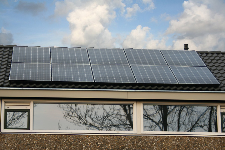 Zoetermeer - 12 zonnepanelen Trina Solar