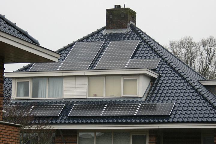 Leidschendam - 7 zonnepanelen Trina Solar