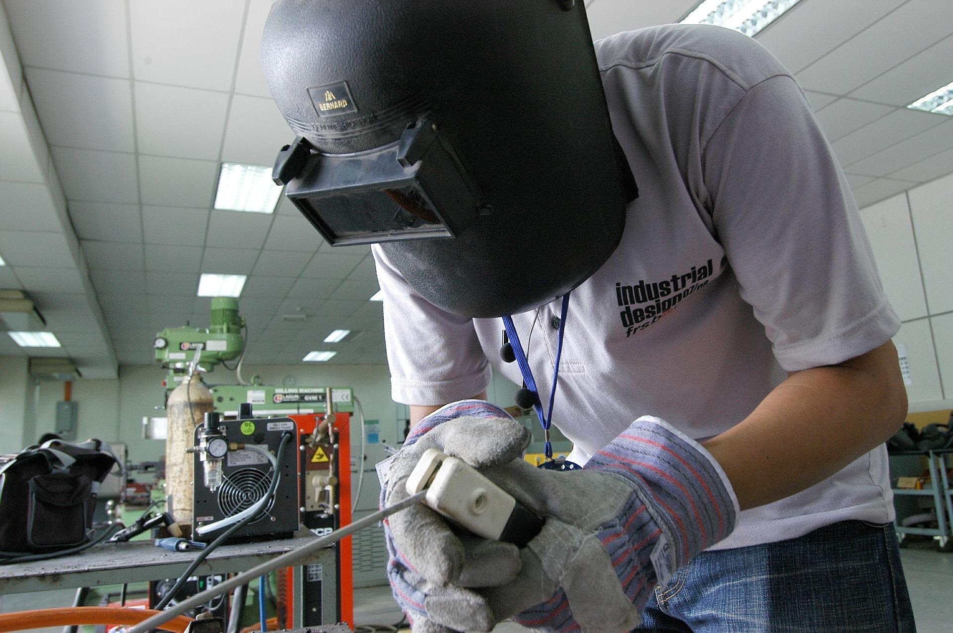 Rund 40 Prozent der Jungs in Deutschland würden gerne als Industriemechaniker, Automechaniker oder Ingenieur arbeiten.