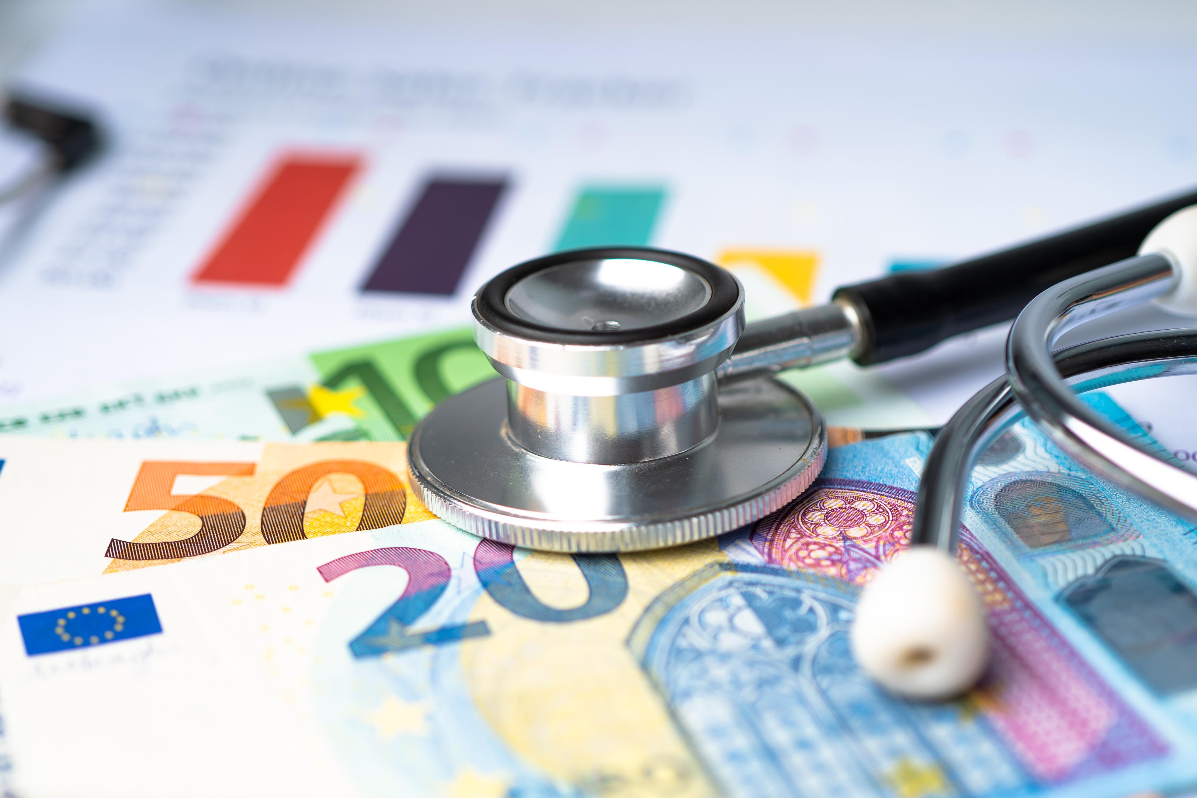 Durch höhere Zusatzbeiträge sollen drei Milliarden Euro in die Kassen fließen.