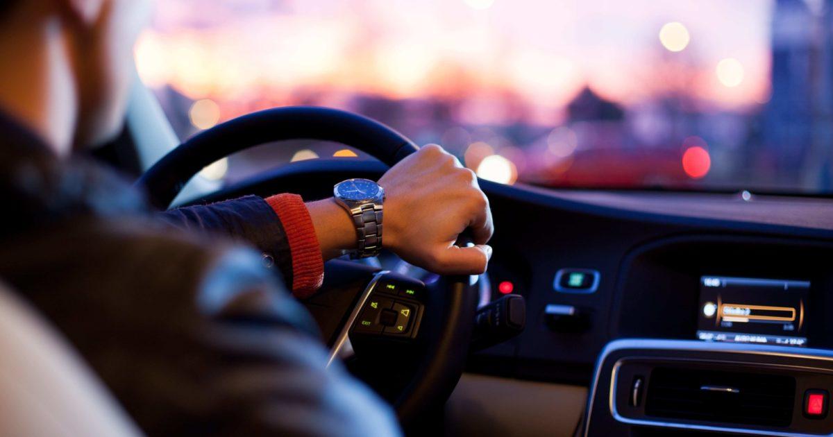 Corona Mitfahrer Im Auto