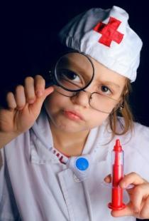 Kind Beim Arzt Spielen