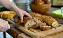 Brot Schneiden