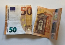 Zerrissener Geldschein