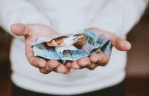 Im Alltag Geld sparen