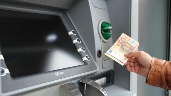 Geldautomat Abheben