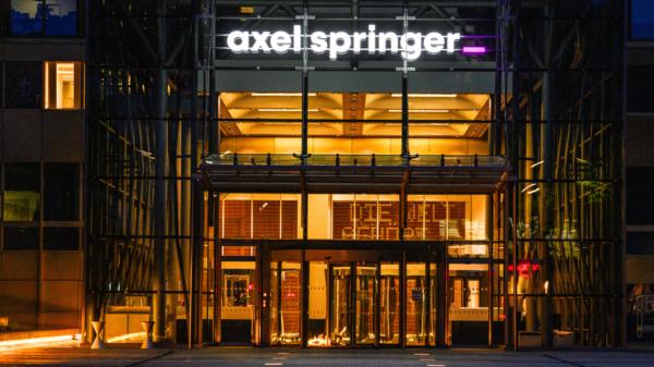 Haupteingang der Axel Springer SE