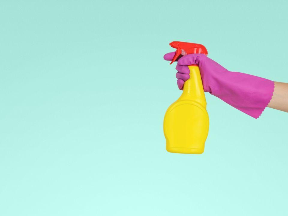 ZASTER | 5 Hausmittel, die effektiver sind als teure Reiniger