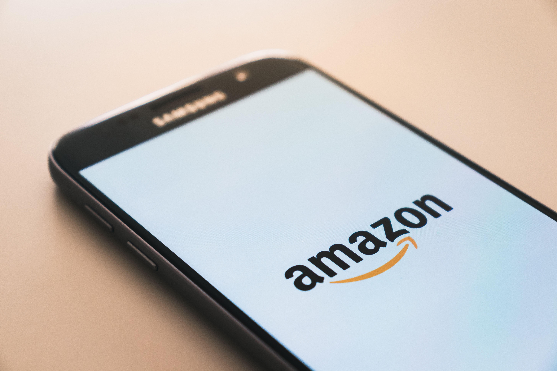10,3 Prozent Kurseinbruch: Die Amazon-Aktie performte in diesem Jahrtausend nur 2001 schwächer.