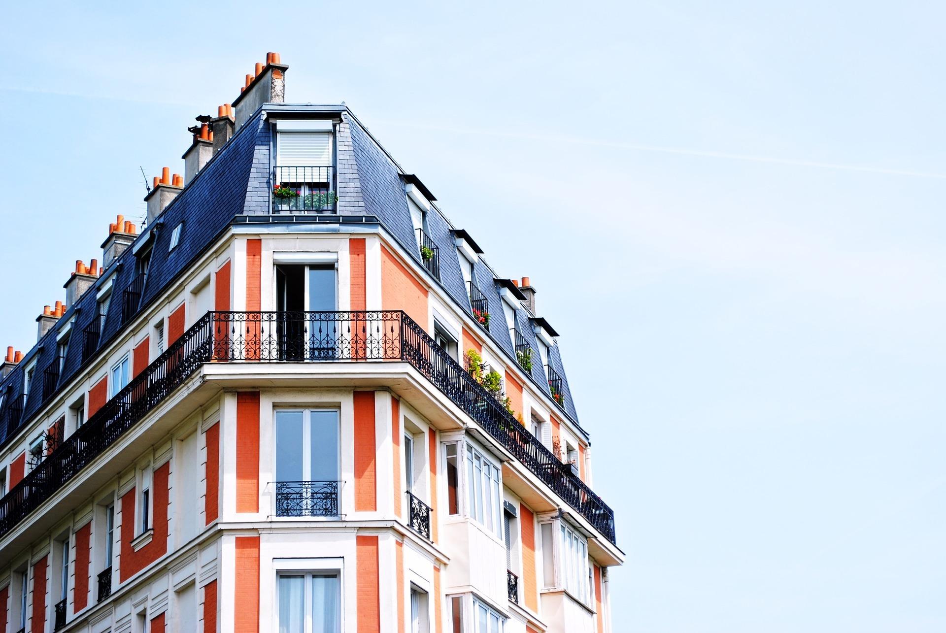 Seit dem 01. Januar 2020 ist das Wohngeldstärkungsgesetzt in Kraft. Rund 660.000 Haushalte profitieren von der Erhöhung des Wohngelds. Den Staat kostet der Zuschuss rund 1,2 Milliarden Euro.