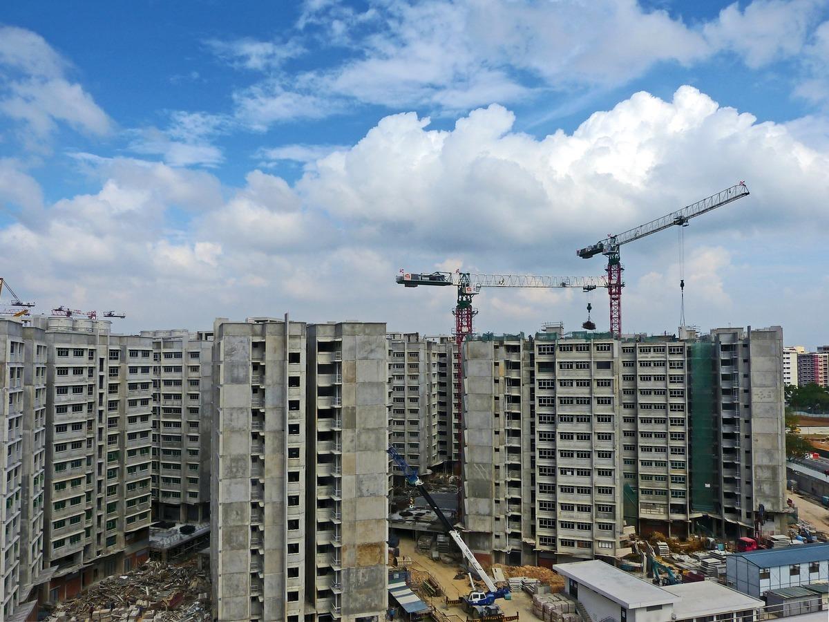 Aufstrebendes Viertel / Entwicklungspotenzial: Hier wird viel gebaut. Dementsprechend kann es in den ersten Jahren zu viel Baulärm kommen.