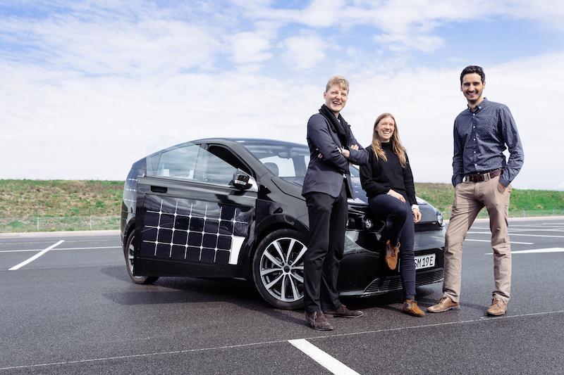 Die Gründer von Sono Motors mit dem Sion